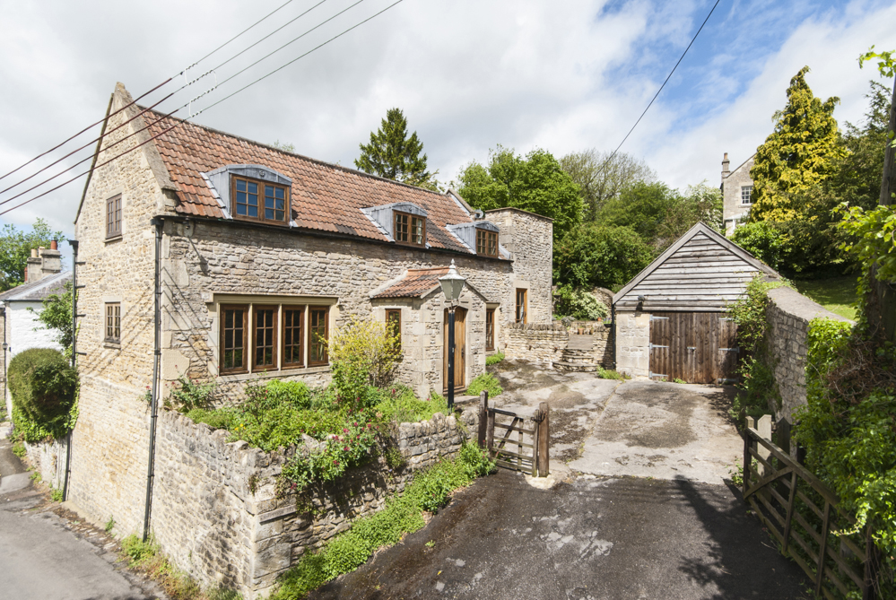 'Buyer's Recommendation' (2015) James – Swainswick, Nr. Bath