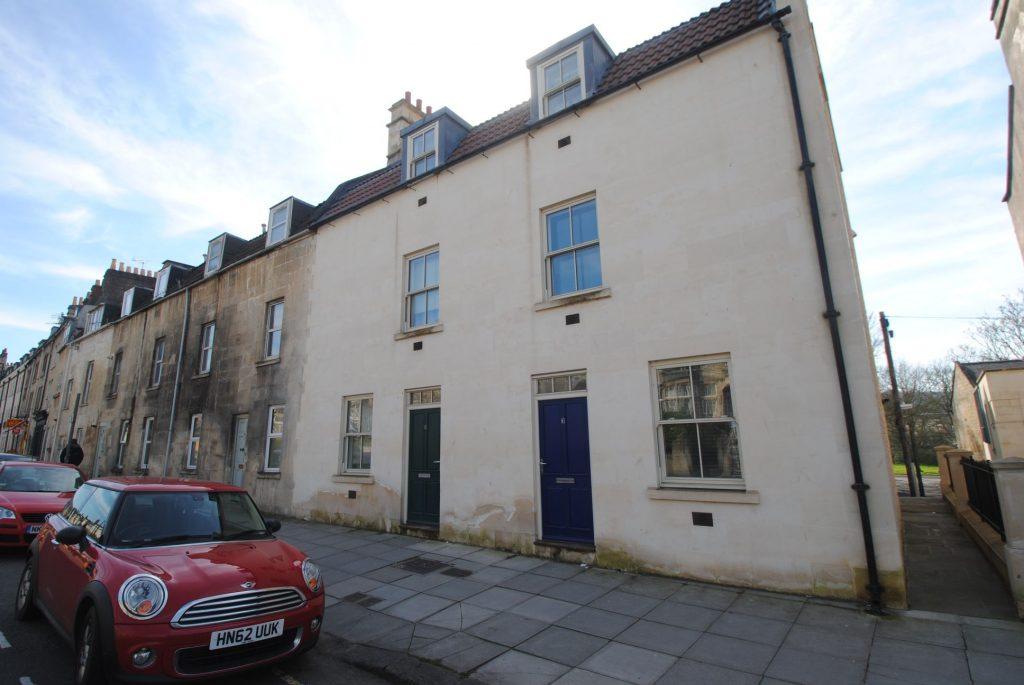 3 St Georges House, Nelson Lane, Bath. BA1 2AW